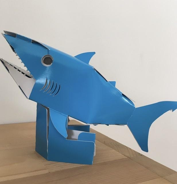 無事に持ちかえり、作ったサメ
